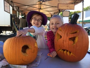 Pumpkin Carving at Perry Market